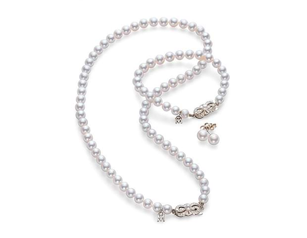 Mikimoto Akoya Pearl Necklace, bracelet and earrings set